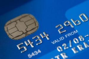 Flere kredittkort kombinert med sterk kjøpetrang, er ofte veien til dårlig personlig økonomi.